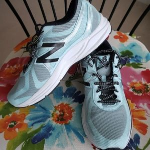 New Balance Womens Size 11 Running Shoe